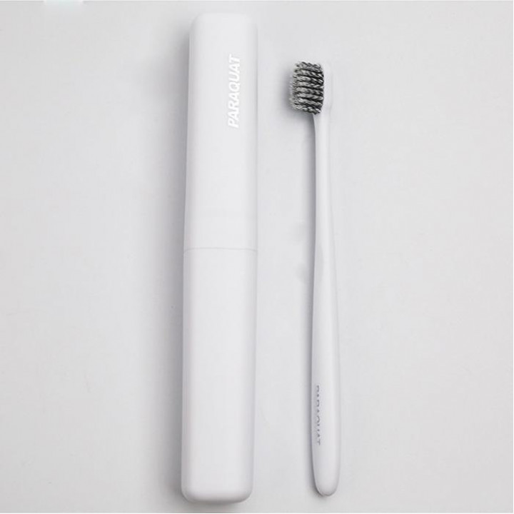 PARAQUAT Мягкая зубная щётка в дорожном футляре, белая